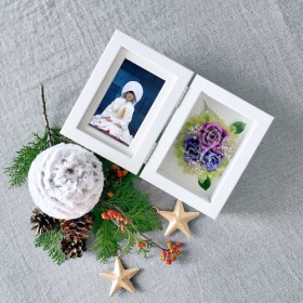 【名入れ】古稀 喜寿のお祝いに紫の贈り物 プリザーブドフラワー フォトフレーム バイオレット L