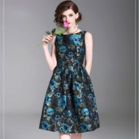 光沢感のあるブルーの花柄がエレガントなひざ丈ノースリーブフレアワンピース  お呼ばれ 大人かわいい ワンピース 結婚式 ドレス フォー