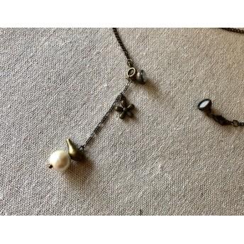 鳥とコットンパールのマグネットクラスプ