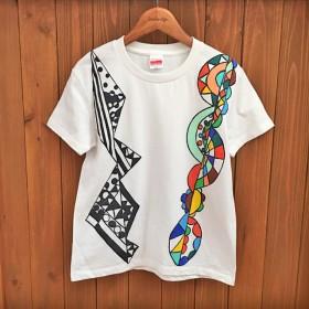 「着ているだけで楽しくなる」スニーカー作家が作るTシャツ「キングゥ」【受注制作】