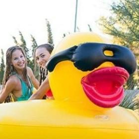 クールなサングラスダックフロート☆ 浮き輪 カップホルダー付き 大人用 二人乗りok ビーチ プール デート 女子会 ナイトプール インスタ