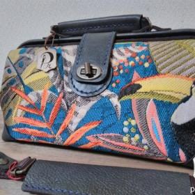 革と布のダレスバッグ「ショコラ」 ゴブラン鳥nicoma