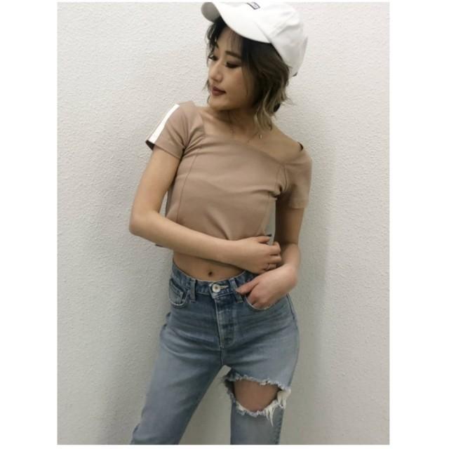 ジェイダ GYDA ラインスクエアネックTシャツ (ベージュ)