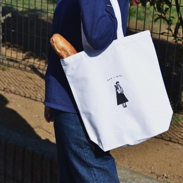 「パンと、ガール」 白いトートバッグ