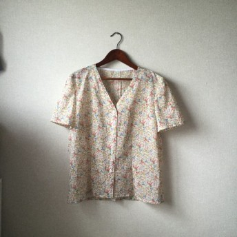 Sale! 20% off(8500→6800)小花柄Vネックブラウス/Rosalie Top