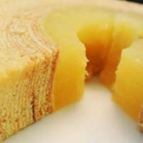 送料無料【9/23~28出荷】 菓子 ギフト バームクーヘン りんご リアスのりんごの木 1個 900g前後 冷蔵