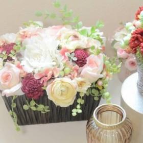 ウェルカムスペースにギフト用 3色ローズのアレンジメント 発表会のステージや結婚式にも最適♪ シーンを彩る華やかなバラ