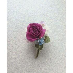 赤い巻き薔薇とライラック ブルーを少し s  シルクデシン製  コサージュ