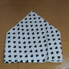 ハンドメイド 子供用三角巾 黒ハート柄