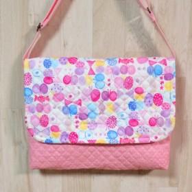 ショルダー型図書袋★苺みるく★水彩風ちょうちょリボン柄 女の子 ピンク系キルティングバッグ入園入学