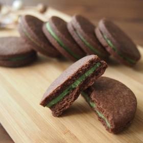 敬老の日に 8枚入り 京抹茶のチョコサンドクッキー