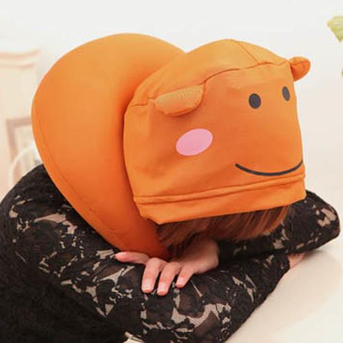 可愛熊u型保暖帶帽旅行枕