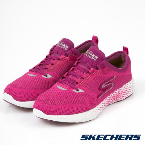 專為競技跑者準備訓練而設計的輕量、競速穩定型跑鞋,為Skechers Performance精英跑者-Meb的官方指定訓練用鞋。全新FLIGHT GEN中底與FITKNIT一體成形無接縫極輕鞋面。
