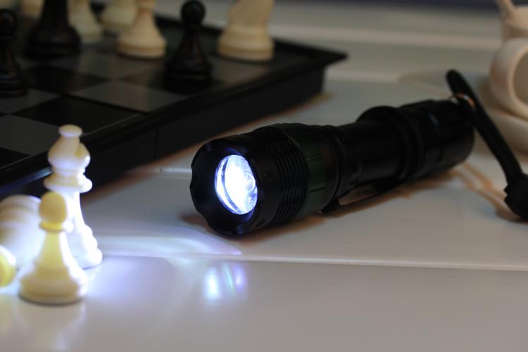 cree q5 軍警規防爆款手電筒 3段強光(250流明)6角旋轉變焦款露營必備手電筒