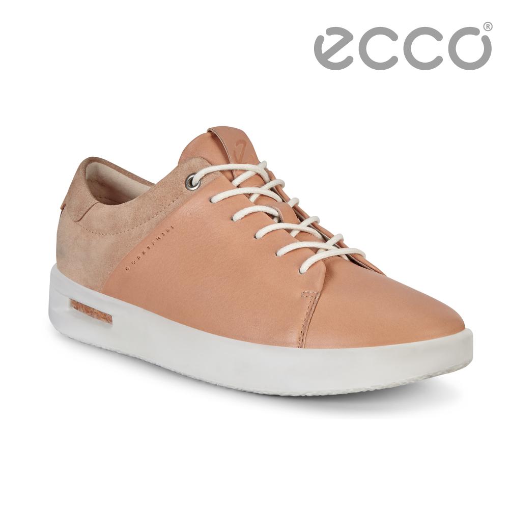 ● 獨特外觀 牛皮與磨砂皮拼接設計● 軟木緩震鞋底 時尚舒適再升級● 鞋底採用一體成型 直接注塑技術