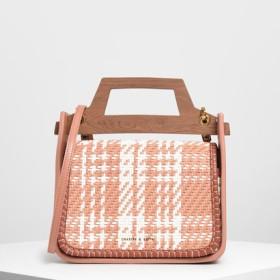 ウーベンウッドエフェクト トップハンドルバッグ / Woven Wood-Effect Top Handle Bag (Clay)