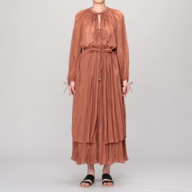 L'UNE(リュンヌ)/HAND PLEATED LONG BLOUSE