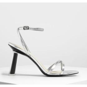 クリスクロススカルプチュアルヒール メタリックサンダル / Criss Cross Sculptural Heel Metallic San