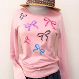 リボンの型染めピンクの長袖Tシャツ