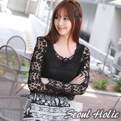 【Seoul Holic】清新鄰家感小花洞洞針織衫 (共二色)