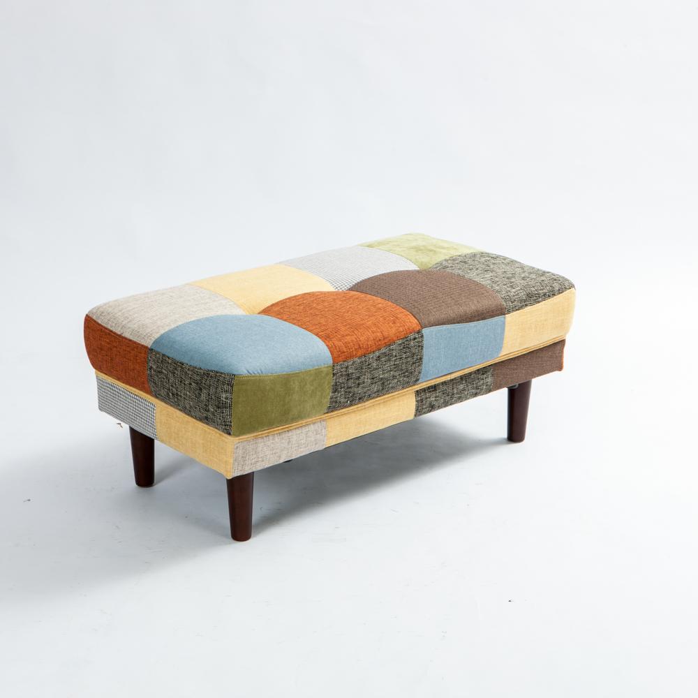 經典時尚款式別具雅致 木質椅腳呈現高質感氛圍 可做沙發腳椅、穿鞋椅等用途