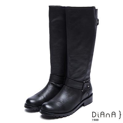 DIANA繞帶鉚釘飾釦擦色粗跟工程靴-復古質感-黑
