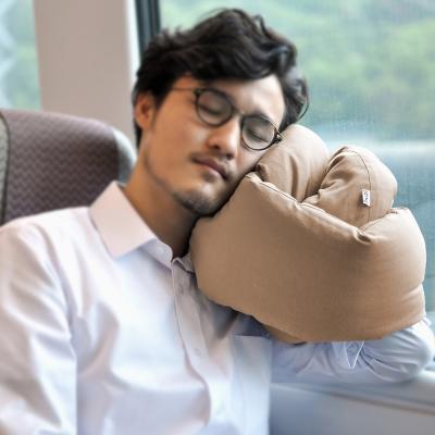 Infinity Pillow 百變頸枕/靠枕(卡其色)女人我最大強力推薦
