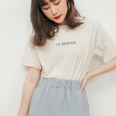REESE 柔軟簡約le marais標語T 杏