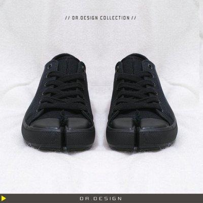 ►DR.DESIGN│DR1998-獨特 歐美暗黑款MMM 分趾 分指布鞋 平底綁帶 拇指外翻 帆布鞋 忍者鞋 黑/白