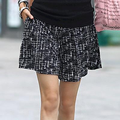 正韓 潑墨格紋鬆緊腰寬管短褲 (共二色)-N.C21