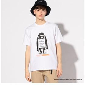 【メンズビギ:トップス】【追加生産】プリントTシャツ『Banksy & Do Nothing-Monkeysign+design』