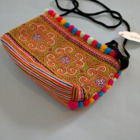 ショルダーバッグ 刺繍