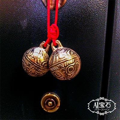 居家開運-大銅鈴-招財守財-趨吉避凶(適合掛於-門把、鹽燈上、紫晶洞內) A1寶石