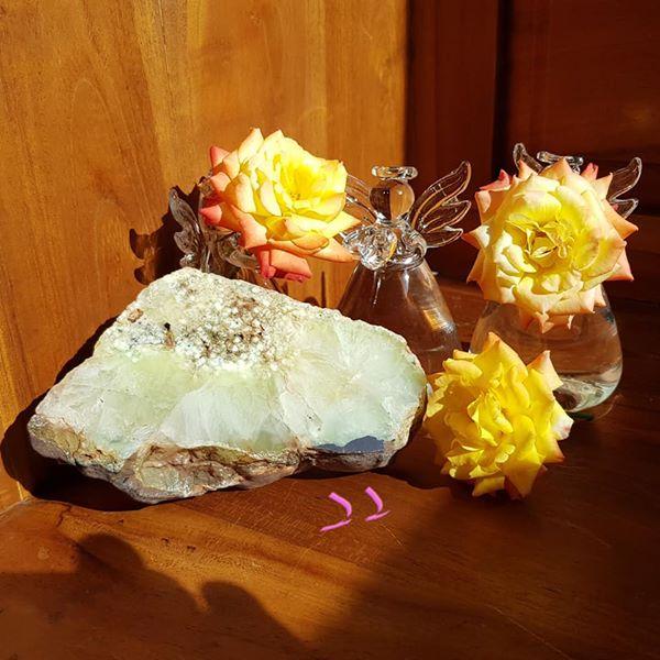 澳洲葡萄石桌上風水石/太陽玉22號 ~帶來和諧感,使思考明晰