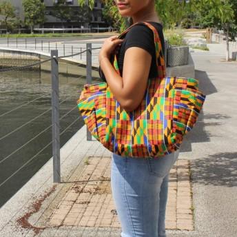 アフリカ布 ビッグショルダートートバッグ ガーナ伝統織物ケンテ柄黄赤緑黒青 大容量マザーズバッグ 秋色 秋バッグ 旅行
