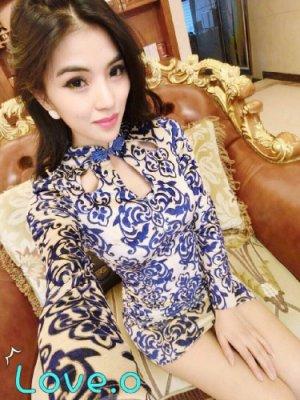 [ ohya梨花 ] 秋冬名媛性感穿搭藍色青花瓷縷空連身裙小洋裝只有ㄧ件原$1200出清特$500