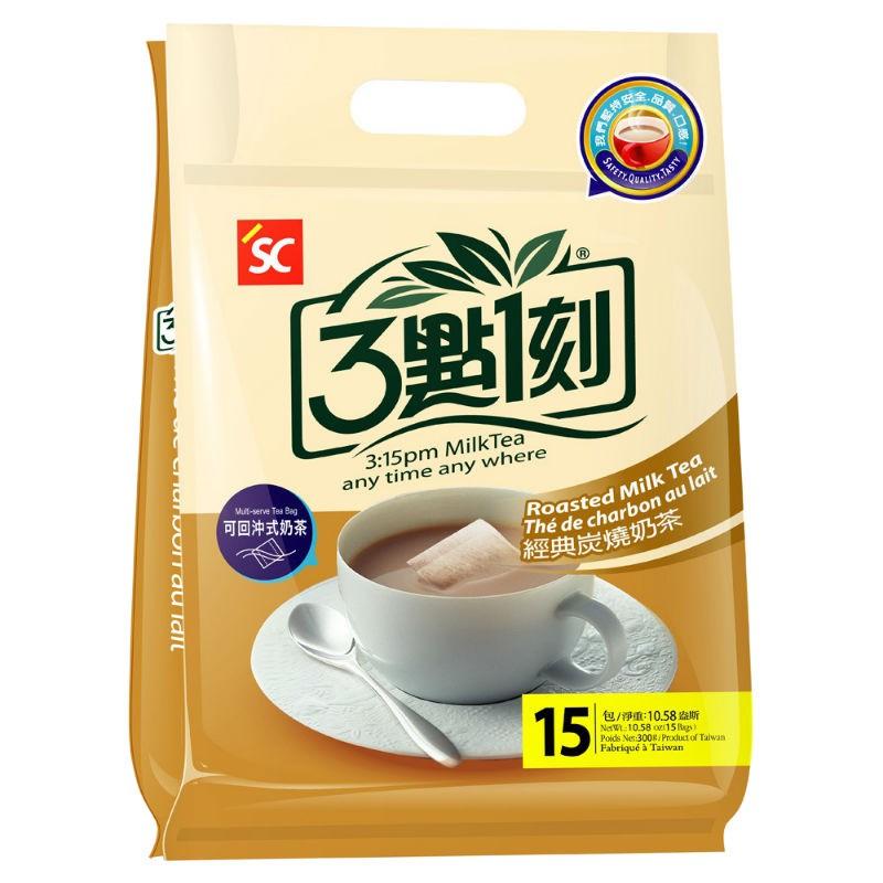 溫潤甘爽中帶著濃郁奶茶香及蜜茶香。冷藏後口感更香濃。 3點1刻突破技術困難,獨家採用原片茶葉,以台灣烏龍茶搭配世界三大名茶之一斯里蘭卡的烏巴紅茶,創造出世界唯一可回沖的茶包式奶茶。 不加人工香精,堅持