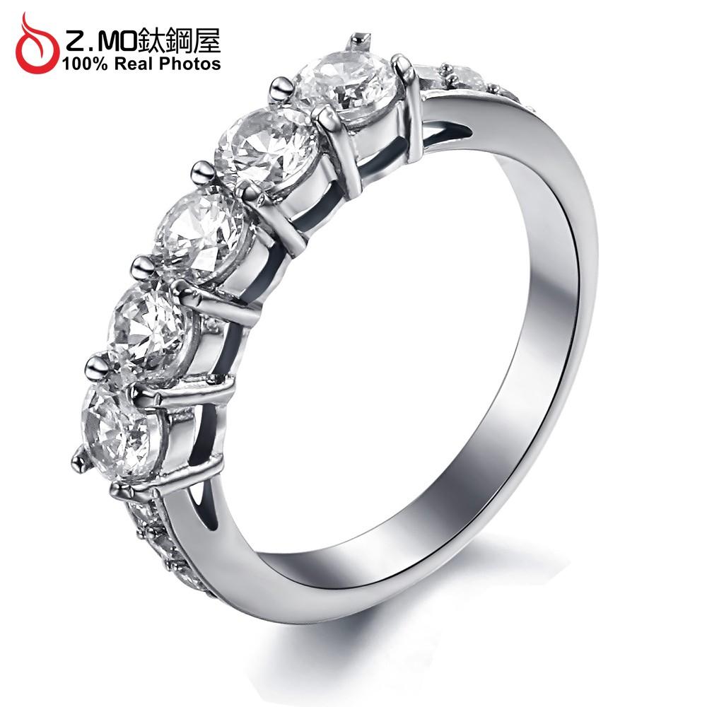 Z.MO鈦鋼屋 女性戒指 精緻排鑽戒指 求婚鑽戒 白鋼戒指 水鑽戒指 新娘配戴 結婚 求婚 紀念禮物【BKS7645】