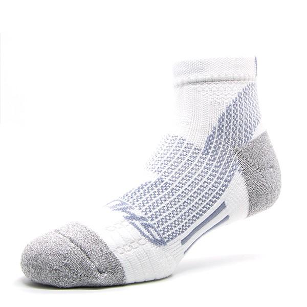 【OH9 台灣黑狗兄】輕 • 減壓襪-白銀灰