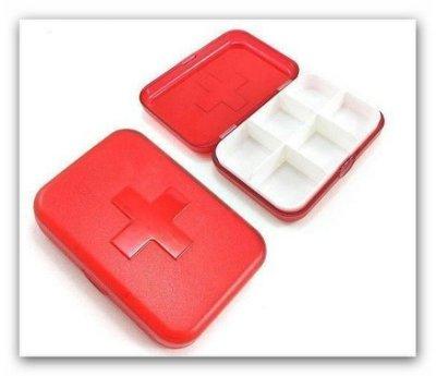 十字六格小藥盒【TwinS伯澄】【顏色隨機發貨】