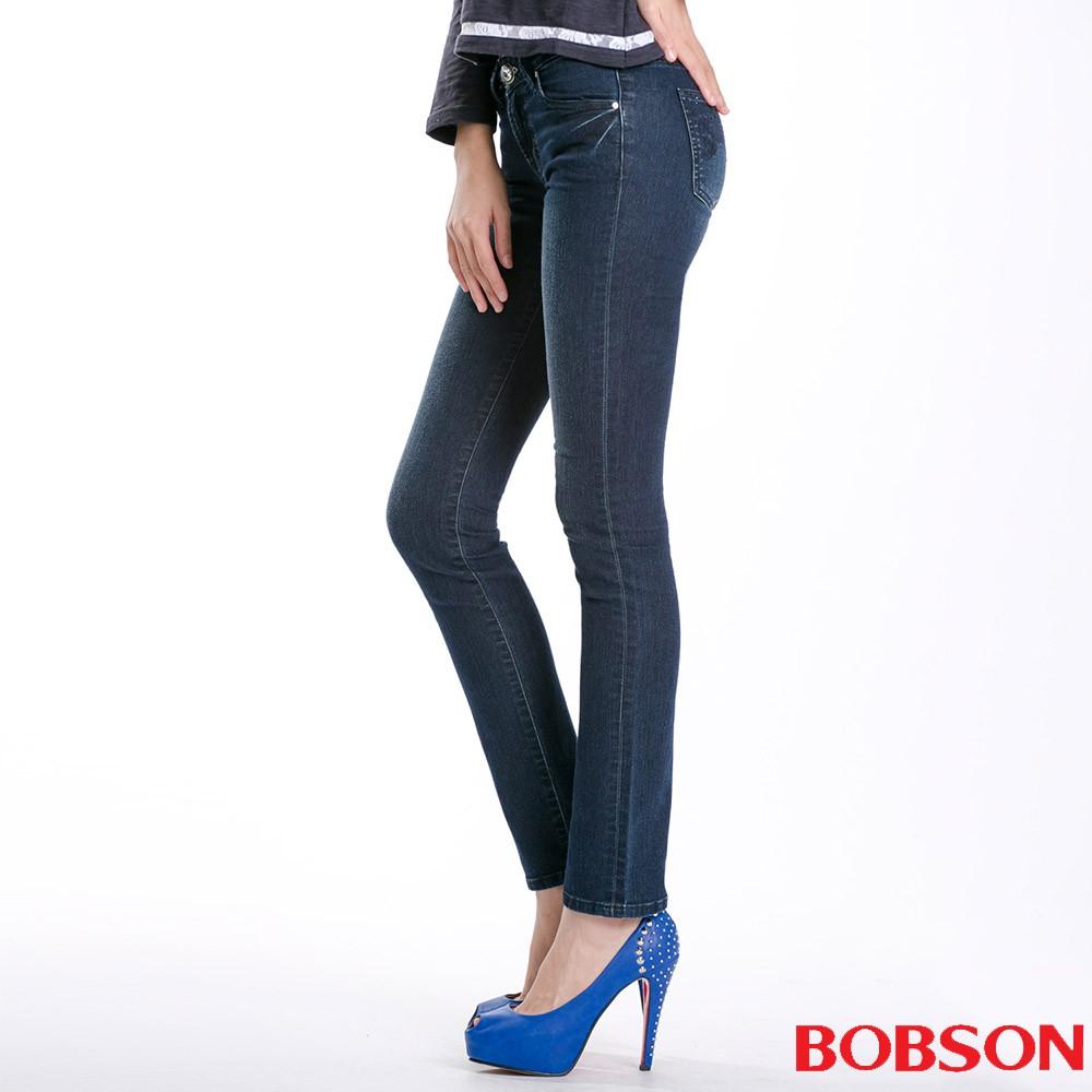 BOBSON 女款秀士布刺繡鑽飾小直筒褲8102-52