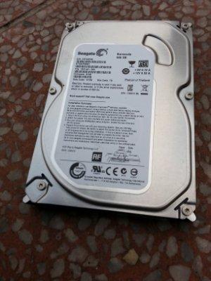 3 Seagate 500G  3.5吋硬碟 SATA介面 售400元