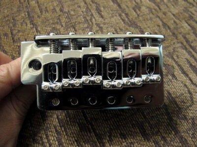 ☆ 唐尼樂器︵☆全新電吉他六點鎖定式小搖座(含搖桿)(符合 Fender 等小搖座琴規格)