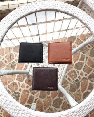 空姐精品代購 COACH 74991 男士素面全皮短夾 內附相片證件夾 質感超贊 簡約時尚 附代購憑證