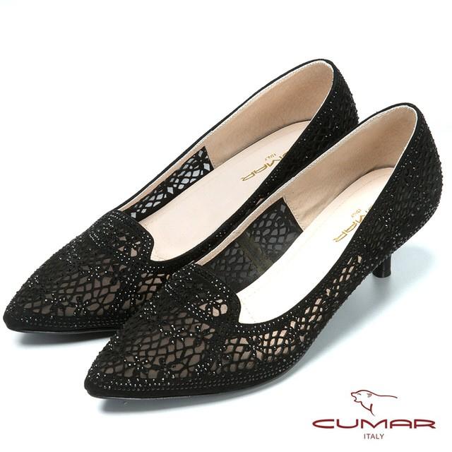 【CUMAR】時尚美人閃亮水鑽裝飾尖頭高跟鞋 - 黑色