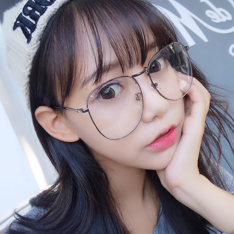 購買此產品就送眼鏡袋+眼鏡擦拭布喲MAYEV鏡讓您用平價給我們評價,請選定好的賣家絕對會讓各位買家收到優質的商品‼️回購率真的很高喲!快找好友情人一起戴吧細節解說:精緻品質、加固鉸鏈、舒適鼻托、舒適鏡