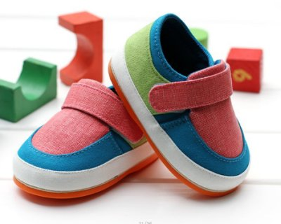 森林寶貝屋~膠底時尚撞色休閒鞋~學步鞋~嬰兒鞋~寶寶鞋~幼兒鞋~童鞋~粘扣設計~彌月送禮~1雙220元