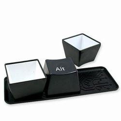 iSFun創意生活 鍵盤造型水杯組 黑