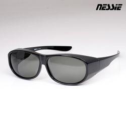 ◎雙機能眼鏡,墨鏡、套鏡一副解決|◎偏光鏡片UV400,抗眩光防反射|◎灰色鏡片,維持自然原色套鏡完整包覆,預防側光干擾台灣品牌 品質服務有保障.眼鏡型號:SG1701-01.眼鏡名稱:Nessie尼