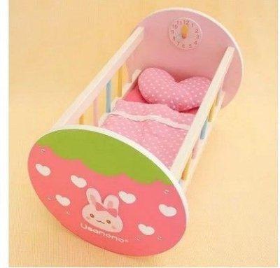 新款正品Mother garden野草莓momo兔時鐘搖搖床兒童扮家家酒木製玩具~台灣代理商公司貨